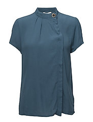Beth blouse