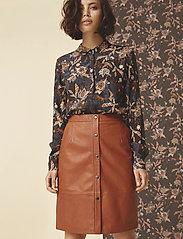 Minus - Torina leather skirt - short skirts - ginger bread - 0