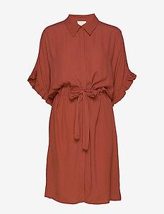 Ariana shirt dress Boozt - SAFRAN