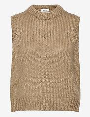 Modström - Valentia vest - knitted vests - camel - 0