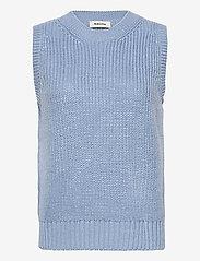 Modström - Timme vest - knitted vests - blue wash - 0