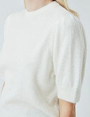 Modström - Juliane o-neck - strikkede toppe - off white - 3