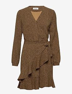 Atlas print dress - slå-om-kjoler - heart caramel