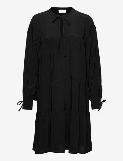 Menna dress - sommerkjoler - black