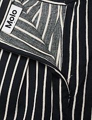Molo - Blondie - nederdele - vertical bw stripe - 3