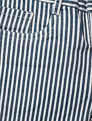 Molo - Audrey - shorts - eclipse stripe - 2