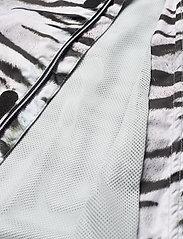 Molo - Waiton - overall - tiger white - 3