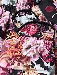 Molo - Polaris - snowsuit - bouquet - 6