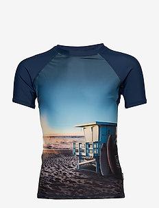 Neptune - ON THE BEACH