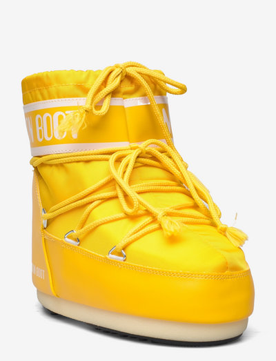 MB CLASSIC LOW 2 - flat ankle boots - yellow