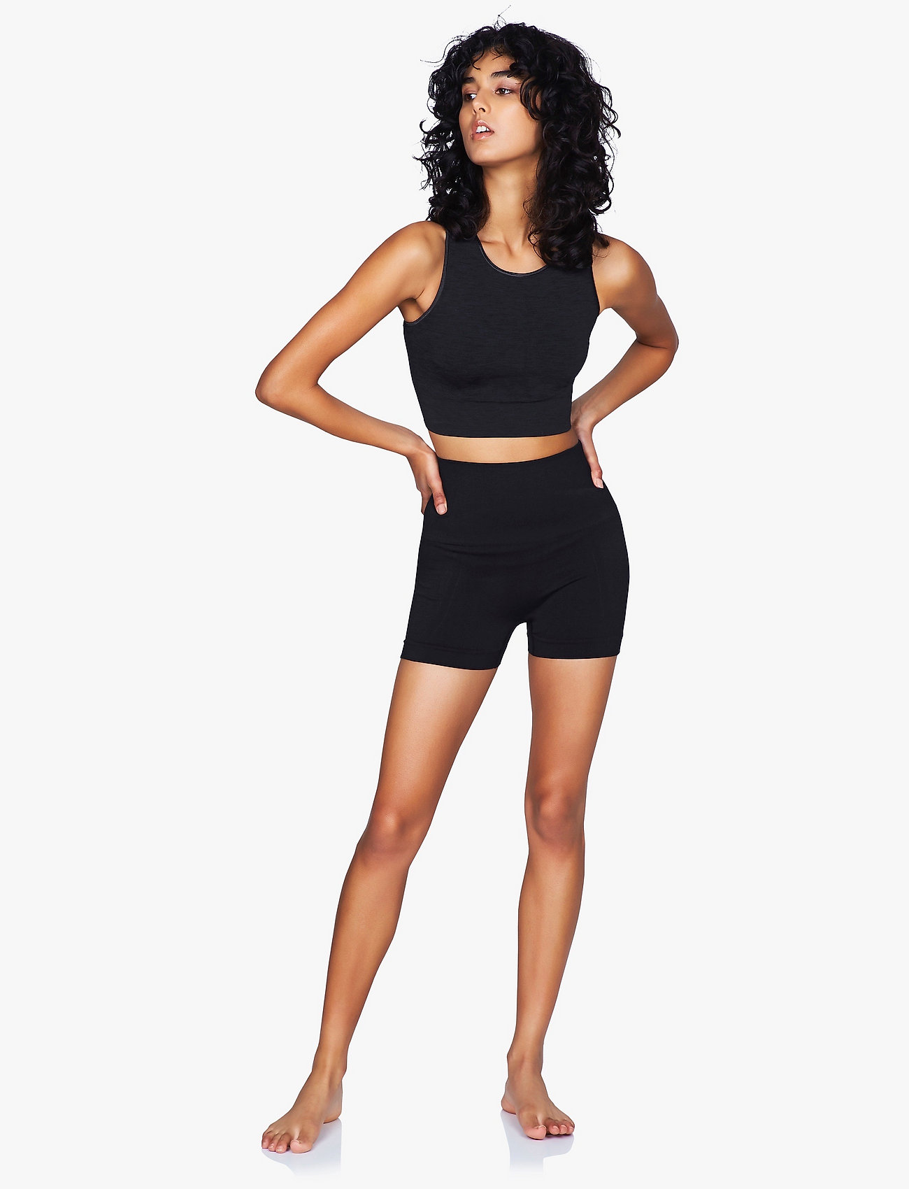 Moonchild Yoga Wear - Seamless Crop Top - crop tops - onyx black - 0