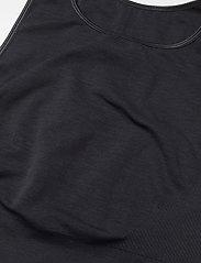 Moonchild Yoga Wear - Seamless Crop Top - crop tops - onyx black - 3