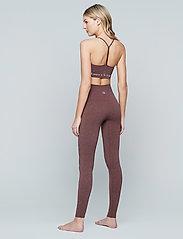 Moonchild Yoga Wear - Seamless Zen Top - urheiluliivit: matala tuki - earth - 4