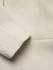Morris Lady - Basilie Jacket - getailleerde blazers - off white - 3