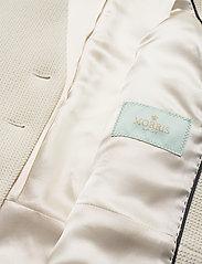 Morris Lady - Basilie Jacket - getailleerde blazers - off white - 4