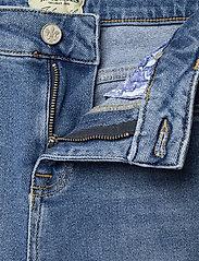 Morris Lady - Bardot Jeans - straight jeans - blue wash - 3