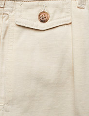 Morris Lady - Paulette Chino Shorts - bermudas - off white - 2
