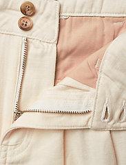 Morris Lady - Paulette Chino Shorts - bermudas - off white - 3