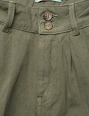 Morris Lady - Paulette Chino Shorts - bermudas - olive - 3