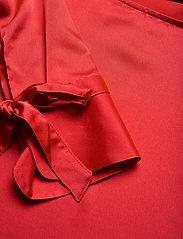 Morris Lady - Kari Blouse - blouses met lange mouwen - red - 2