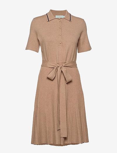 Cadence Knit Dress - midi kjoler - camel
