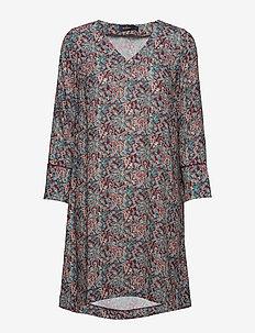 Eve Liberty Dress - WINE RED