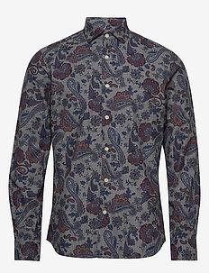 Hadwin Spread Collar Shirt - WINE RED
