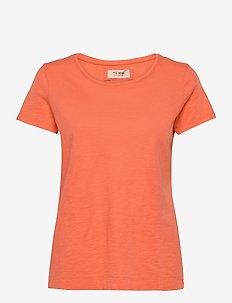 Arden Organic O-neck Tee - t-shirts - nectarine