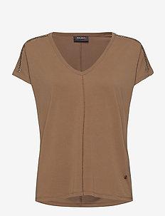 Lennox V-SS Tee - t-shirts - burro camel