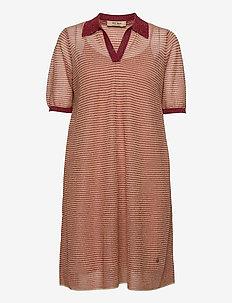 Vinola Knit Dress - hverdagskjoler - earth red