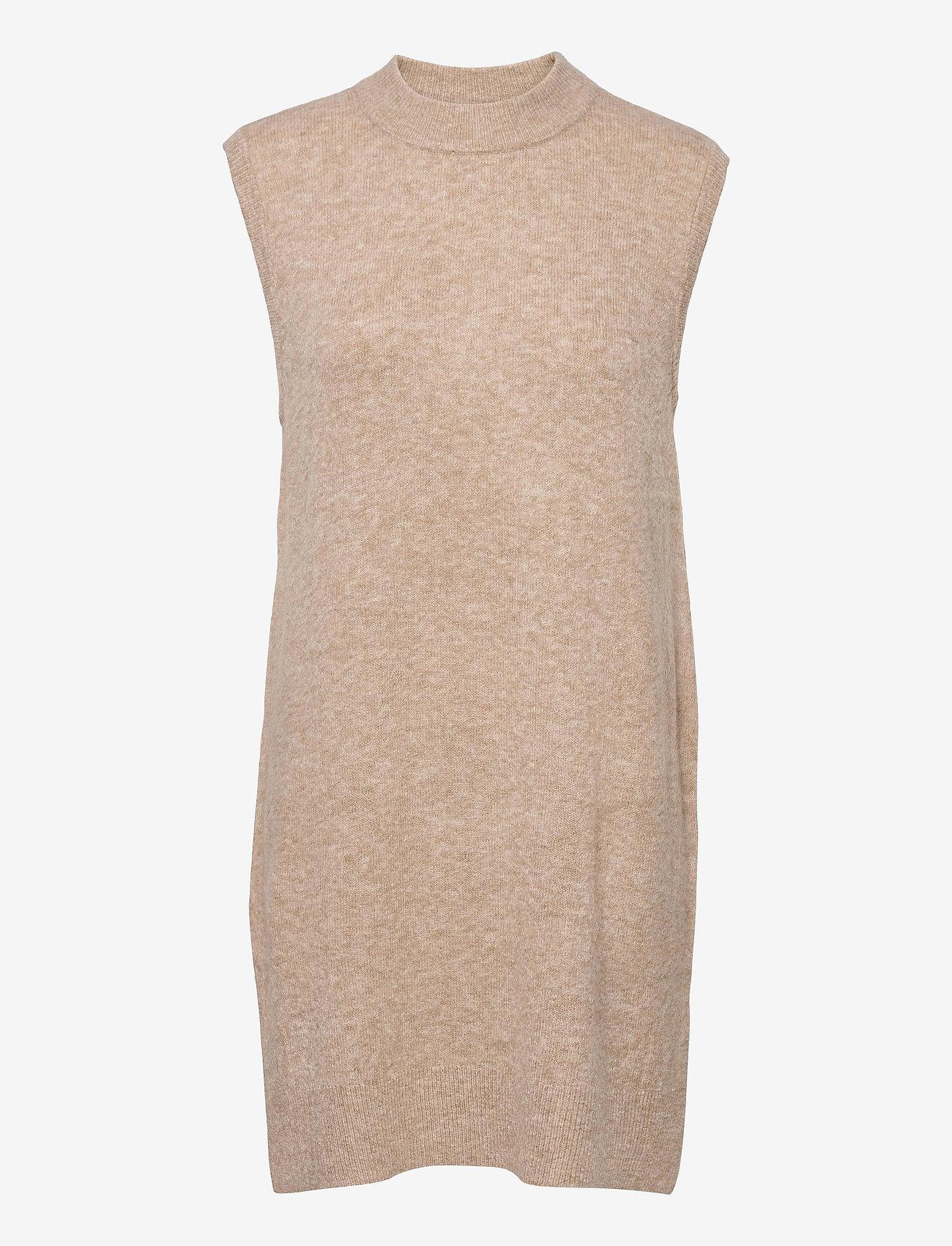 MOSS COPENHAGEN - Cardea Zenie Long Vest - knitted vests - sand melange - 0