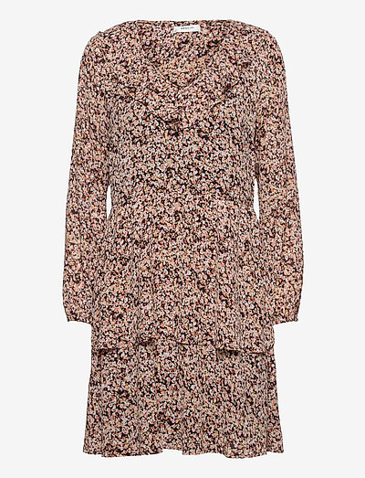 Merila Rikkelie LS Dress AOP - summer dresses - black dots