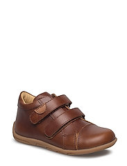 Infant unisex velcro shoe - 481 CHESTNUT