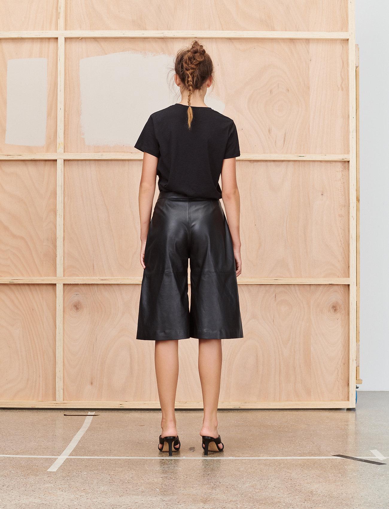 Munthe - TREK - t-shirt & tops - black - 5
