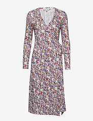 Munthe - YEAN - robes portefeuille - rose - 0