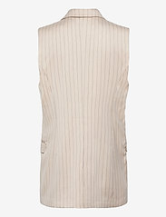 Munthe - TOADA - knitted vests - ivory - 1