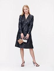 Munthe - Esmeraldas - robes portefeuille - black - 0