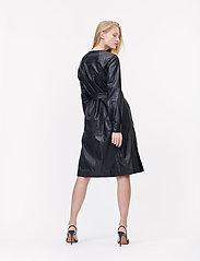 Munthe - Esmeraldas - robes portefeuille - black - 3