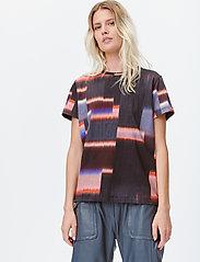 Munthe - LADY - t-shirts - red - 3