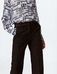 Munthe - LEAF - bukser med brede ben - black - 3