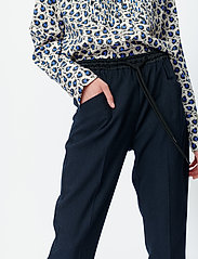 Munthe - SONNA - blouses à manches longues - indigo - 5
