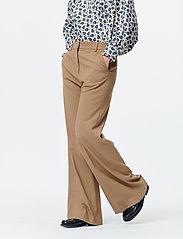Munthe - SAKURAI - pantalons larges - camel - 0