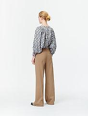 Munthe - SAKURAI - pantalons larges - camel - 6