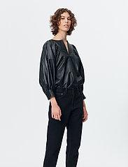 Munthe - SOLANDRA - pantalons larges - charcoal - 3