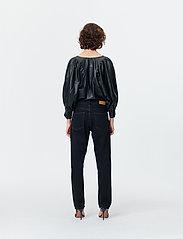 Munthe - SOLANDRA - pantalons larges - charcoal - 4