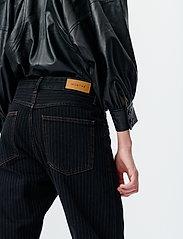 Munthe - SOLANDRA - pantalons larges - charcoal - 5