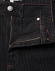 Munthe - SOLANDRA - pantalons larges - charcoal - 7