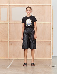 Munthe - TREK - t-shirt & tops - black - 0