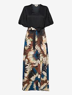 MILFOIL - robes midi - black