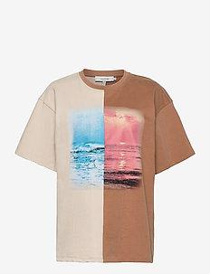 TAC - t-shirts - camel